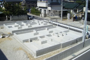 地盤調査とベタ基礎工法の写3真